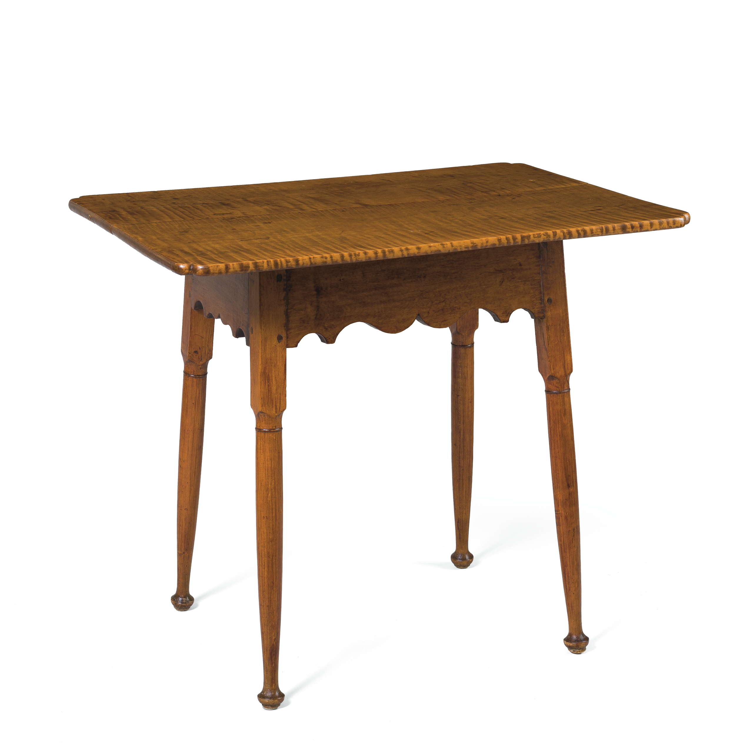 NEW ENGLAND COUNTRY QUEEN ANNE MAPLE TEA TABLE